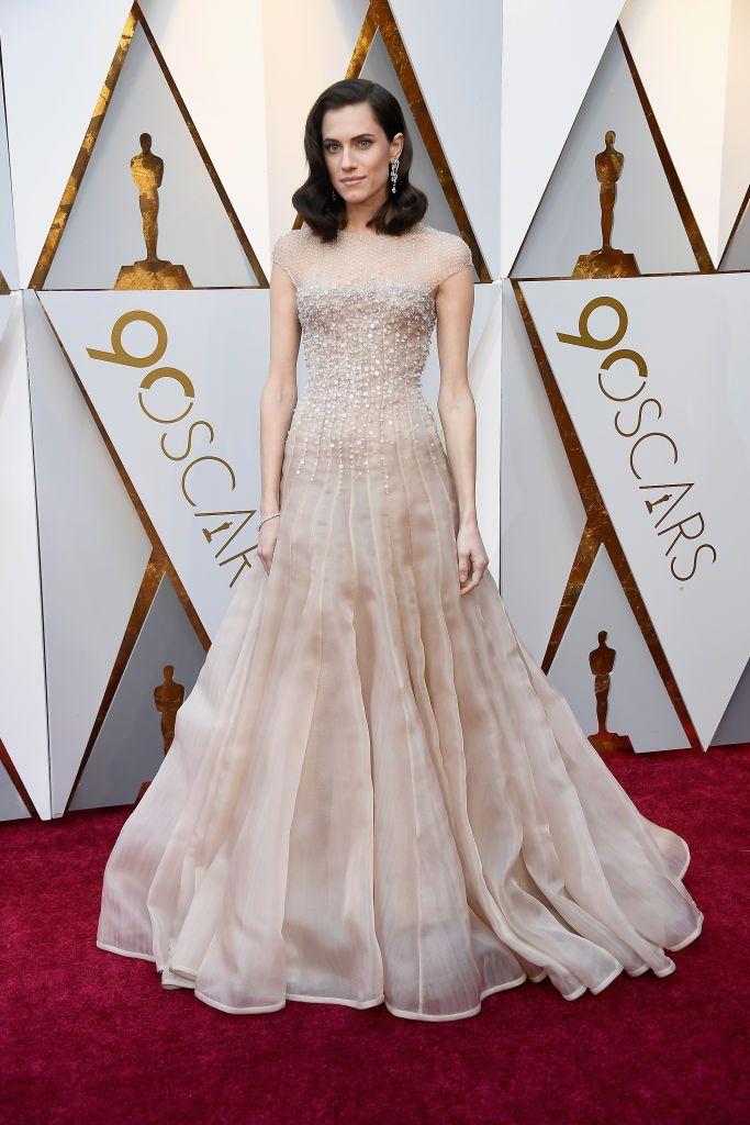434d340d5 A editora de moda de COSMO elege seus preferidos da cerimônia que rolou em Los  Angeles