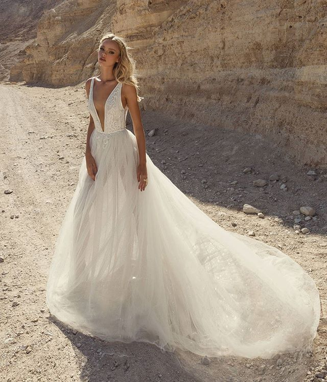 """Absolutely Breathtaking 😍 by Adi SHLOMO .@HaremsBrides .👉Order Now! DM or 💌Elbisedunyam@gmail.com . 💖 International Shipping . Mail veya Mesajla Siparis Verebilirsiniz. . #bridesmaid#gown#fashion#happy#weddingdress#mode#gettingmarried#weddingplanning#engaged#weddingphotography#robe#mariée#hautecouture#bride#weddingday#bridal#photooftheday#wedding#hochzeitskleid#dress#instafashion#fashionista#fashionblogger#instagood#beautiful#follow #tbt #love #style#girls"" by @elbisedunyamm. #capture…"