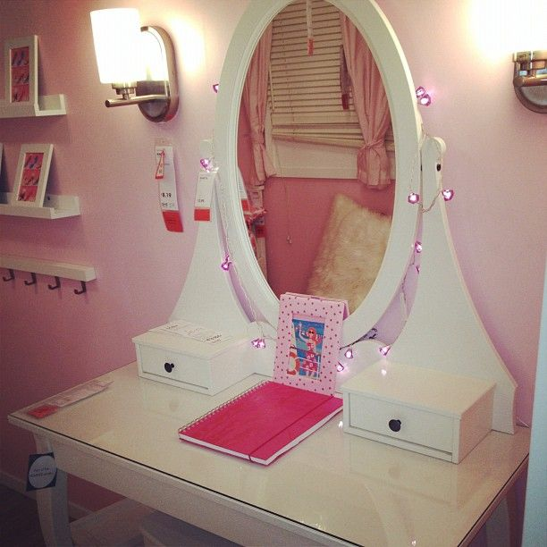 Pretty Pink Dressing Table And Vanity For A Girl's Room