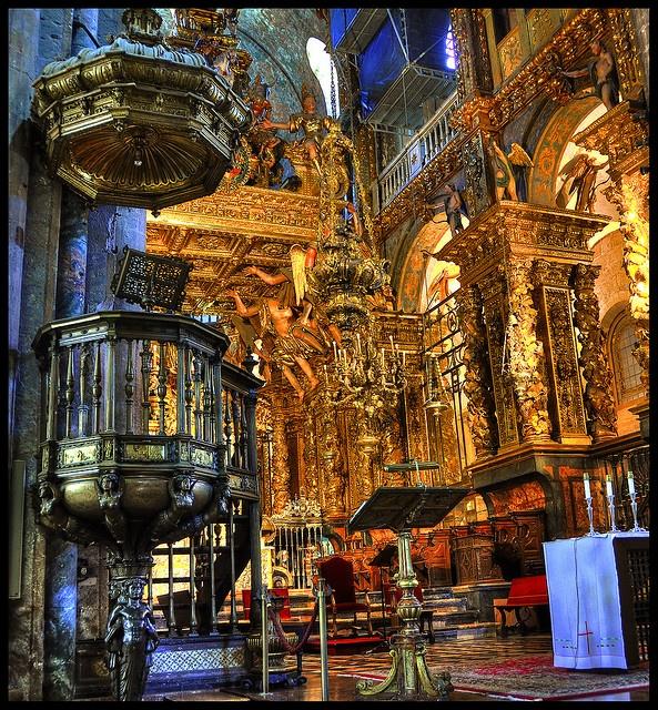 La Catedral de Santiago de Compostela de oro, Galicia, España
