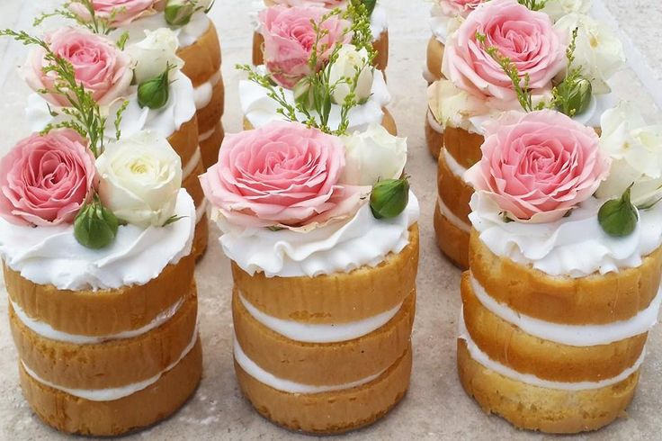 Mini dessert wedding ideas, or truly for any entertaining need, is quickly becoming our favorite topic at Strictly Weddings.