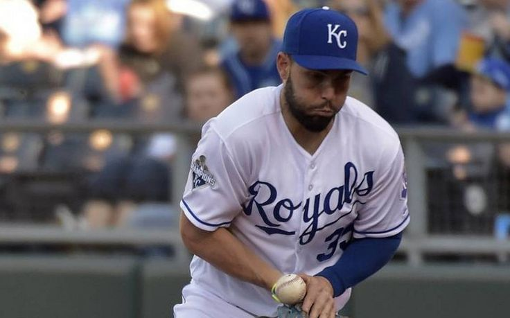 For the last three seasons, the Royals' Eric Hosmer has won the Gold Glove Award at first base. But according to two of the more respected defensive stats — Defensive Runs Saved and Ultimate Zone Rating —Hosmer grades out somewhere between average and below average at first base. The contradiction is a curious one.