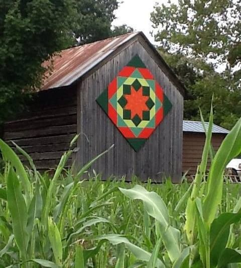 Quilt Barn Sign Idea, Red and greens. I really love this one!