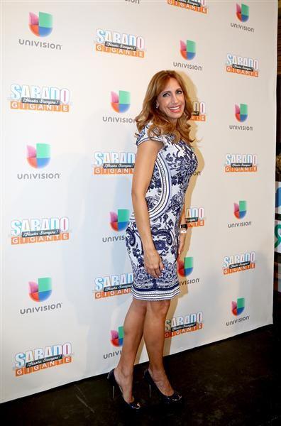 """Lili Estefan en la alfombra del programa final de """"Sábado Gigante"""" conducido por Don Francisco en la cadena Univision, Miami, el 19 de septiembre de 2015."""