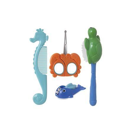 Курносики Набор детский «Большой океан», Kurnosiki  — 209р. ---- Набор детский «Большой океан», Kurnosiki – это функциональный и практичный набор необходимый для ухода за малышом с самого рождения. Набор «Большой океан», Kurnosiki предназначен для гигиены и ухода за малышом с первых дней жизни. Элементы набора в виде обитателей океана облегчат уход за малышом и развлекут его время гигиенических процедур. Щетка в виде черепашки c мягкой щетиной создана специально для бережного ухода за…