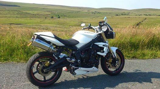 Triumph 675 STREET TRIPLE Stainless Oval single Outlet ROAD LEGAL MTC Exhausts #MaxTorqueCans