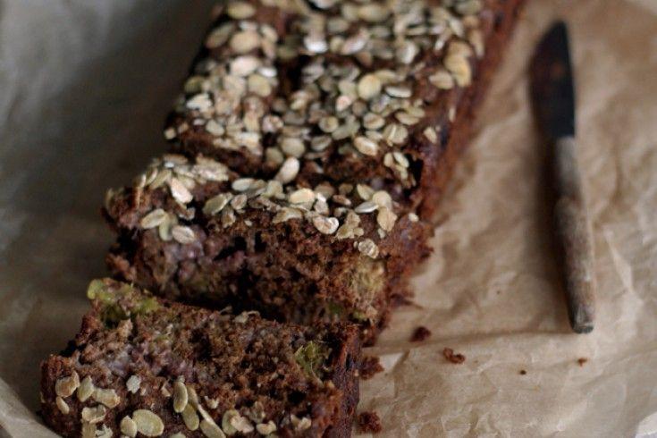 Aardbei-rabarberbrood met speltbloem - Culy.nl