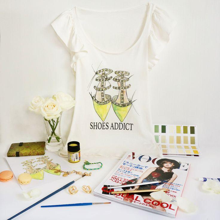 """Дизайнерские женские футболки """"Shoes Addict. Valentino"""", размеры  S, M. Тончайший летний хлопок. !!!! ЦЕНА 490 руб !!!!!"""