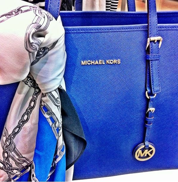 Michael Kors wallet White and grey Michel Kors wallet like new with wrist band Michael Kors Bags Wallets
