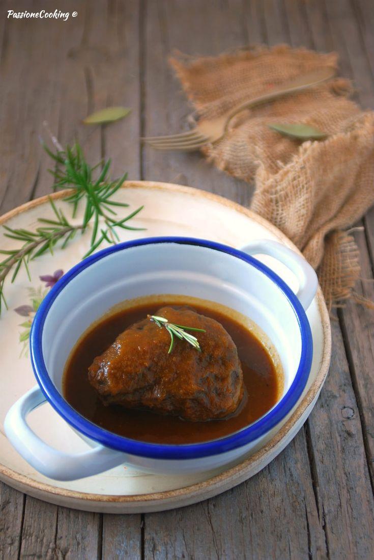 Guancette di vitello al sugo http://blog.giallozafferano.it/passionecooking/guancette-di-vitello-al-sugo-tenerissime/