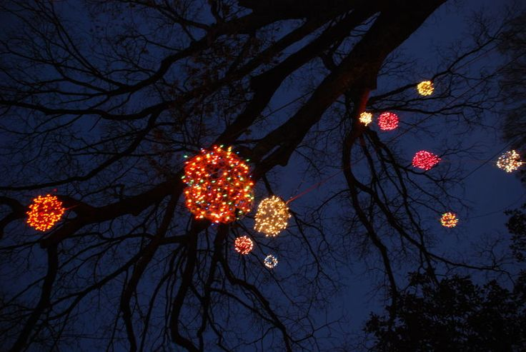 Marvelous One Of My Favorite Christmas Decorations! Chicken Wire Balls Wrapped In  Lights Hung High In Trees! | Makes Me Happy :) | Pinterest | Receptions, ...