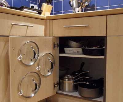 Хранение кухонной утвари на кухне - это одна из самых нужных идей для любой кухни. Грохот крышек от