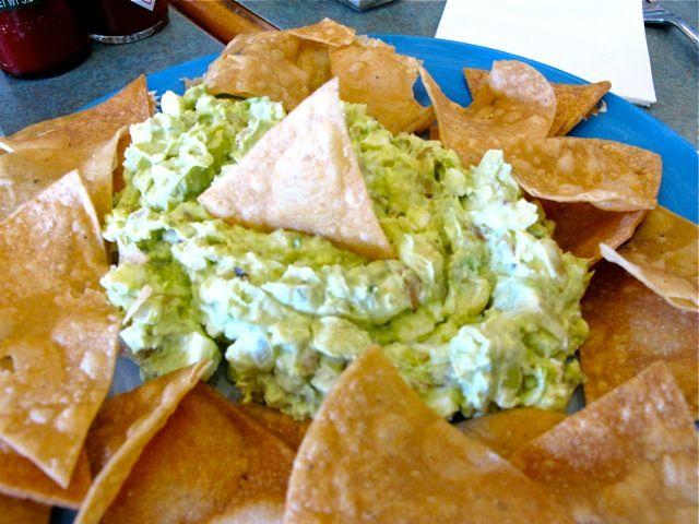 MÉXICO: Tapa de guacamole con nachos
