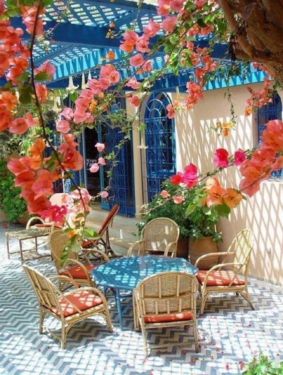 Lato w ogrodzie - tarasy, altany, patio - MICROGARDEN h… na Stylowi.pl