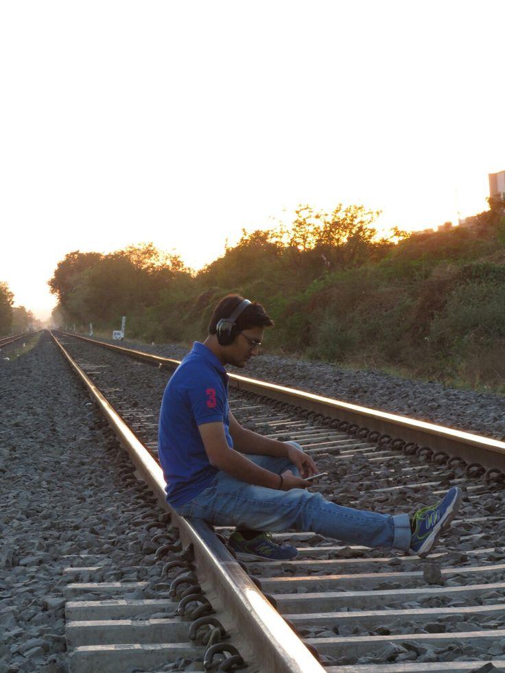 Parv Bhabsar #headphones #kotioneach #railtrack #railway #music #love