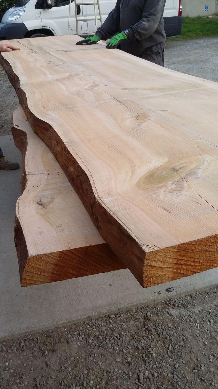 Cedro, stagionato naturalmente, pronto per la realizzazioni di tavoli artigianali di design