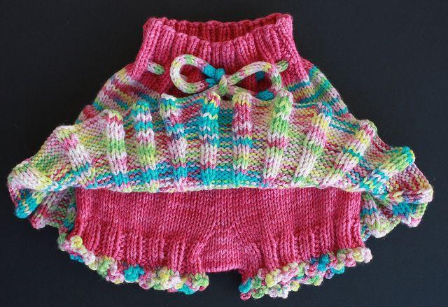 Free Pattern: Bubble Bum Baby Bloomers (diaper soaker)