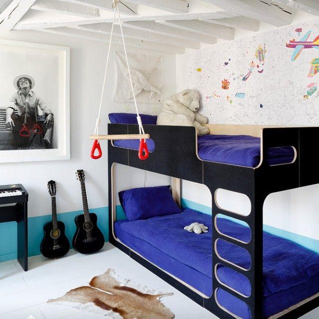 Детская для мальчиков👬🎼⚽ #копилка_идей #детская #дизайн #декор #дизайнинтерьера #интерьер #музыкальный #синий #белый #тон #цвет #комната #кровать #балки #kashtanovacom #interior #interiordesign #decor #design #nursery