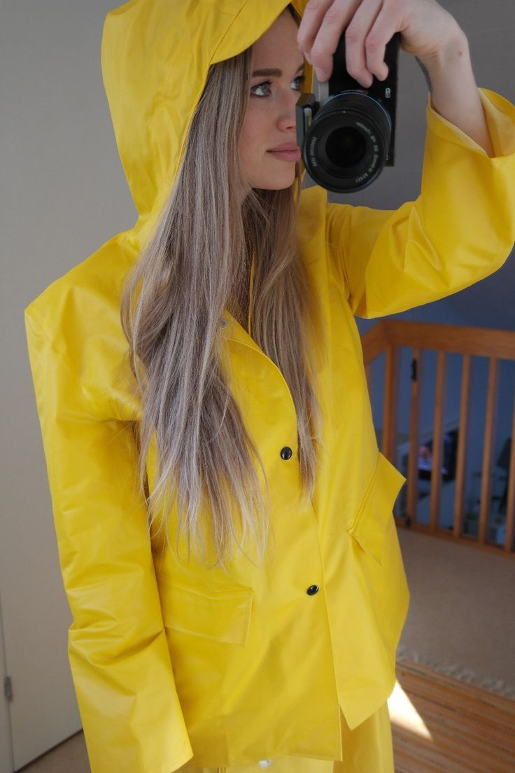 31 besten raincoat bilder auf pinterest regenmantel h bsche m dchen und ponchos. Black Bedroom Furniture Sets. Home Design Ideas