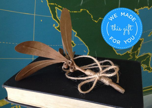 Free holiday DIY project from CreativeLive: Paper Bag Mistletoe designed by Robert Mahar