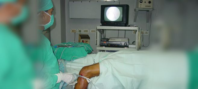 Dr. J Maheshwari is the best known for Knee and Shoulder Surgeon in Delhi - He operates Partial Knee Replacement in Delhi and Shoulder Arthroscopy in Delhi - Dislocation Shoulder Surgery in Delhi and Knee Ligament Surgery in Delhi.  http://www.kneeandshoulderclinic.com/knee/knee-replacement/