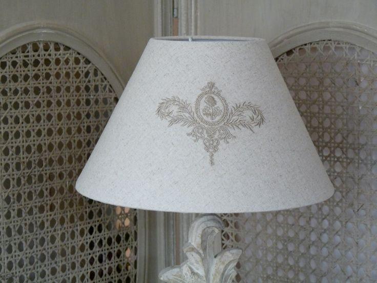 abat jour volutes beige abat jours lampes et appliques. Black Bedroom Furniture Sets. Home Design Ideas