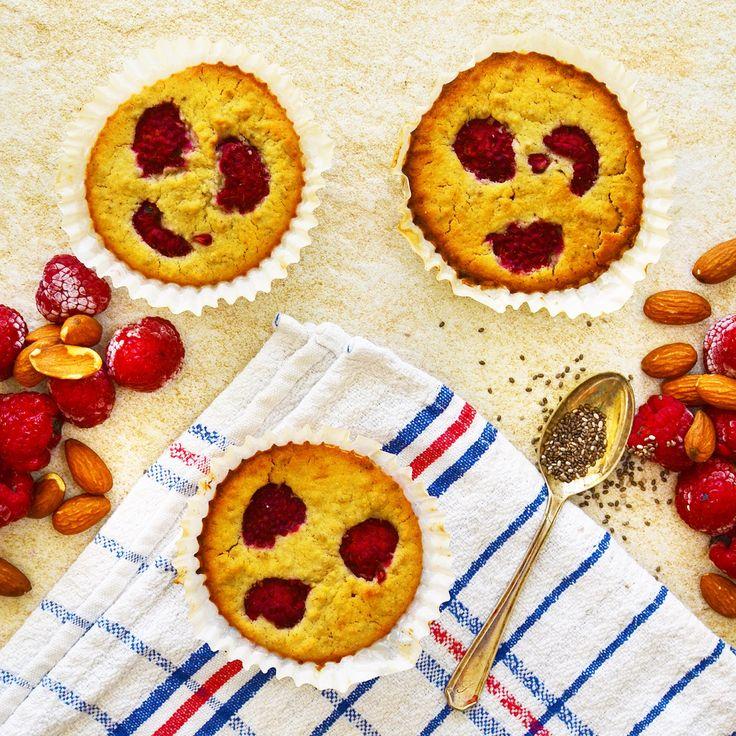 Muffins med hallon och vanilj! Veganska, glutenfria och sockerfria. Receptet finns i meny 27. 😊  www.allaater.se