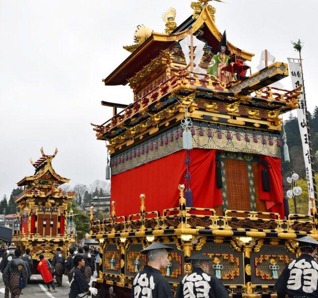 (窓)◎…飛騨路に春の訪れを告げる国の重要無形民俗文化財「春の高山祭」が14日、岐阜県高山市で始まった=写真。 :日本経済新聞