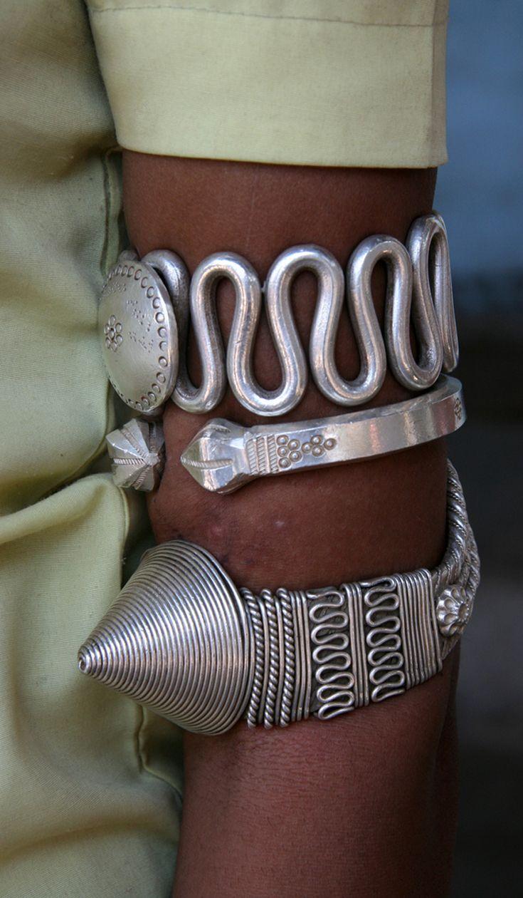 India | Details; woman's armlets. Gujarat | ©Rudi Roels