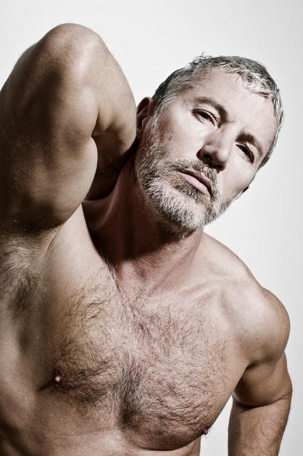 Silverfox Gay 44