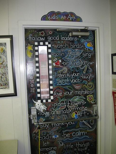 Fun! A chalkboard door.: The Doors, Idea, Doors Decor, Chalkboards Paintings, Art Rooms Doors, Chalk Boards, Chalkboards Doors, Art Room Doors, Classroom Doors