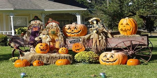 Cool Traditional Halloween Decoration