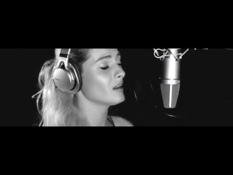 Proconsul feat Connect-R, Raluka & Rucsy (Blaxy Girls) - Lumina de Craciun - YouTube