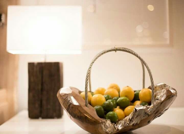 Frutero y lámpara teka