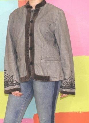 À vendre sur #vintedfrance ! http://www.vinted.fr/mode-femmes/vestes-en-jean/35614582-veste-en-jeans-col-mao-velours-style-asiatique-t46-hm-demi-saison-chichippieethnique