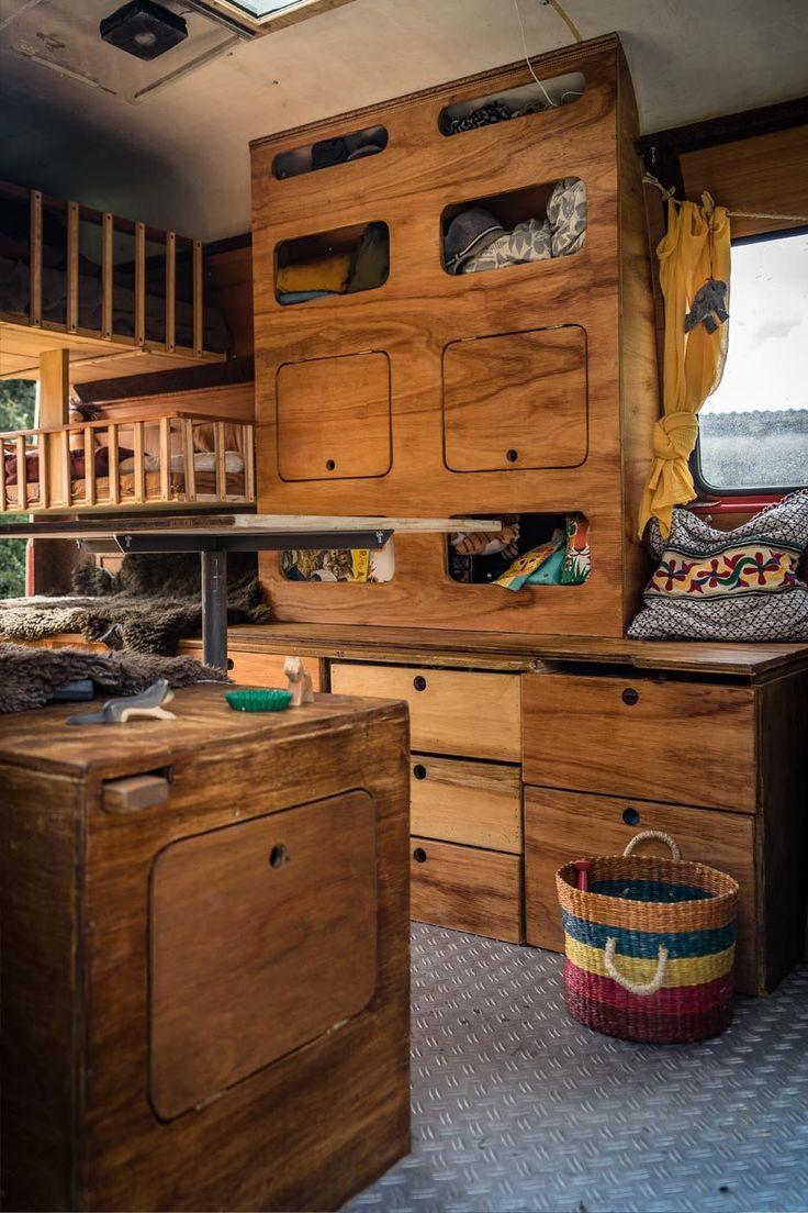 die besten 25 wohnmobil ausbauen ideen auf pinterest t5 bus vw campingbus und camping ausbau. Black Bedroom Furniture Sets. Home Design Ideas