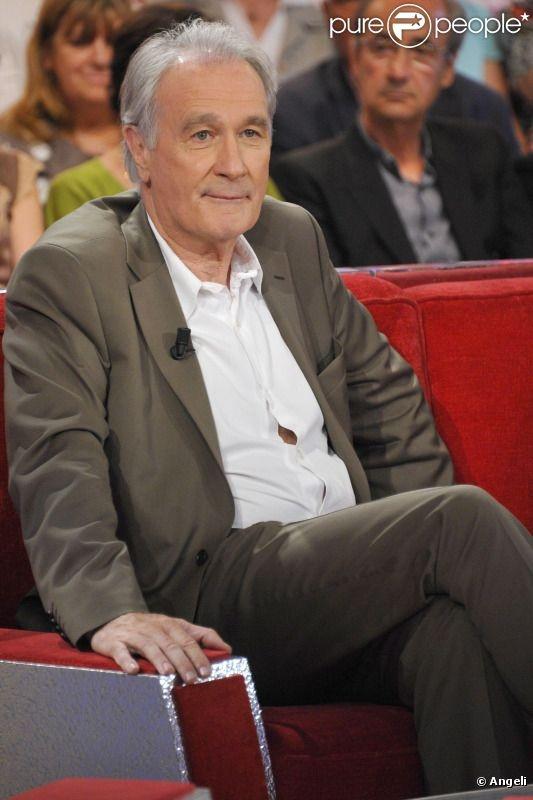 Bernard Le Coq est un acteur français, né le 25 septembre 1950 au Blanc (Indre).  Mais c'est surtout en 1983, grâce à la série Pause-Café que Bernard Le Coq se révèle au grand public. En 1991, Maurice Pialat en fait le frère de Van Gogh dans le film du même nom. Sa prestation lui vaut de remporter le César du meilleur second rôle.   Bernard Le Coq conjugue le théâtre, le cinéma et la télévision. C'est grâce à cette dernière, à partir de 1992, qu'il devient un acteur très populaire