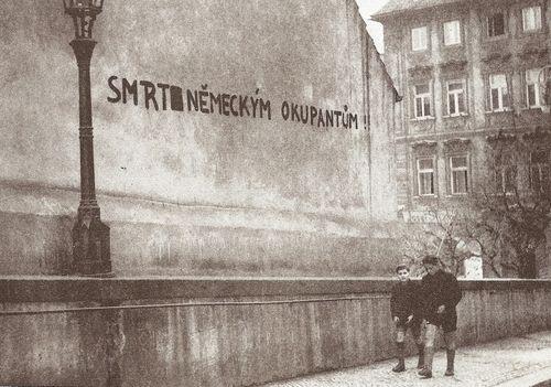 Prague during Uprising 45;, Death to German invaders