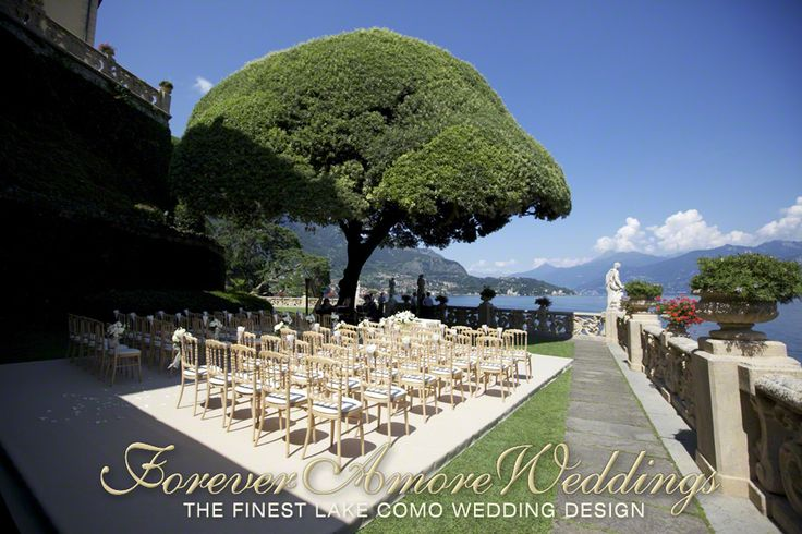Wedding at Lake Como, ceremony set-up in Villa Balbianello, Lake Terrace, with platform under the giant oak tree. Picture by ForeverAmoreWeddings ©