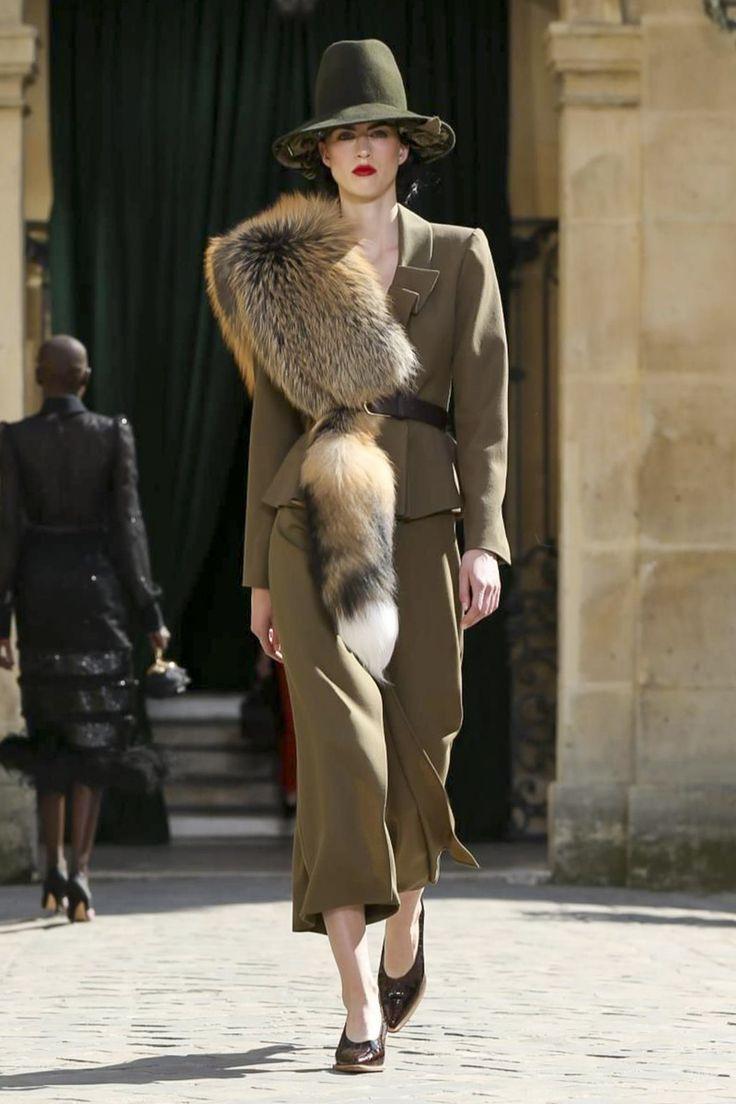 Watch the Ulyana Sergeenko Fall/Winter 2017 Haute Couture show live from Paris.