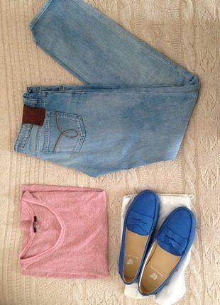 À vendre sur #vintedfrance ! http://www.vinted.fr/chaussures-femmes/bateaux-and-slip-ons/29302799-lot-t-shirt-jean-calvin-klein-et-bobbies