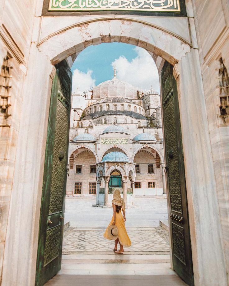 Blue Mosque (Sultanahmet Camii) with Lucas Peres P…
