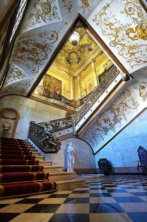 Foz Palace, Lisbon, Portugal, photo via SIPA - Sistema para o Patrimonio Arquitectonico.