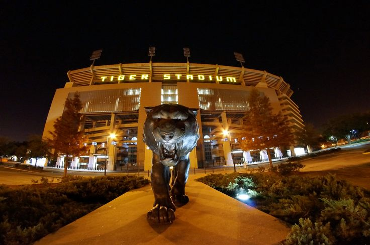 LSU Tiger Stadium at night | Tiger_Stadium_at_Night.jpg