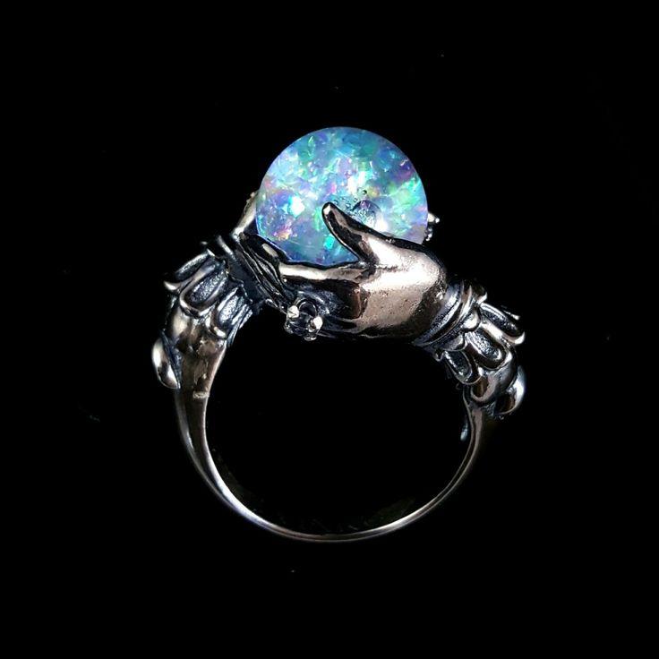 http://omniastudios.tumblr.com/post/151643671243/glitter-filled-crystal-ball-oracle-ring