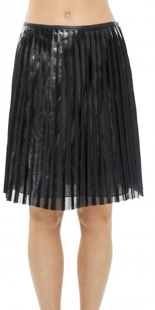 LEON MAX COATED AND PLEATED GEORGETTE SKIRT. #leonmax #cloth #