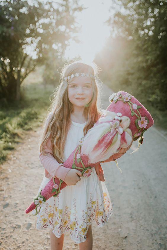 Einschulungsfotos im Abendlicht | mummyandmini.com Fotos: redfairy picture designs Einschulung Mädchen Schultüte