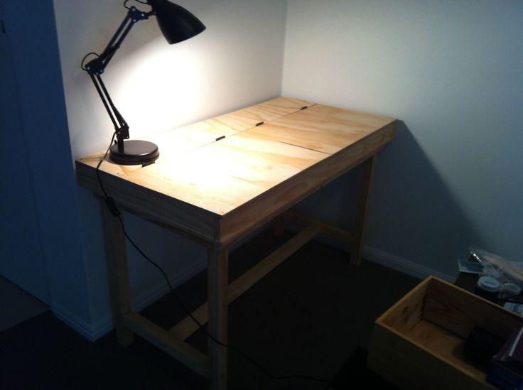 Crafts desk