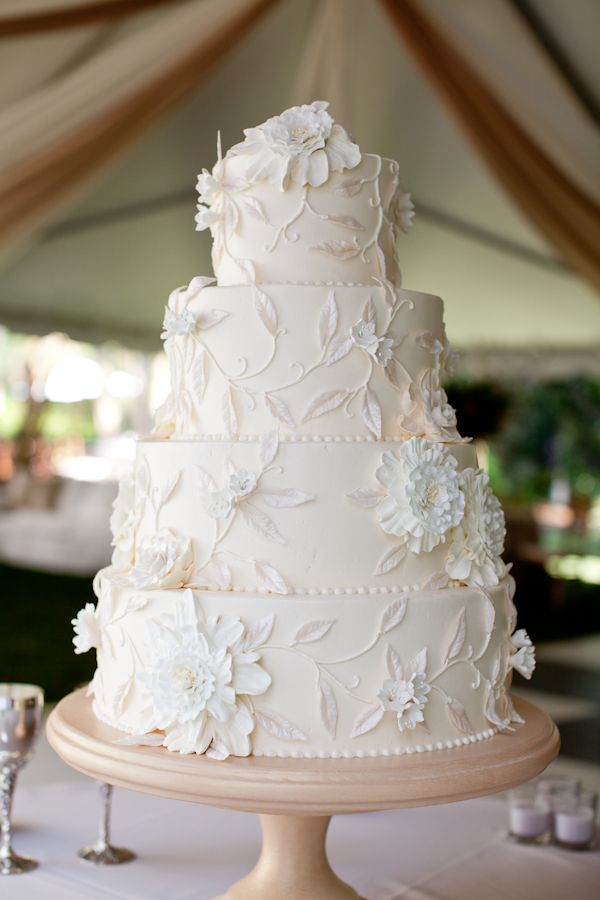 Pretty White Wedding Cake