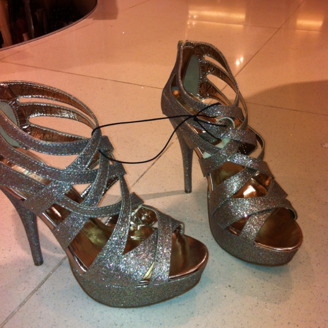 Forever 21 new years shoes for $16!: Fashion Favs, Forever 21, Years Shoes, Dresses Shoes, Closet Wishlist, New Years
